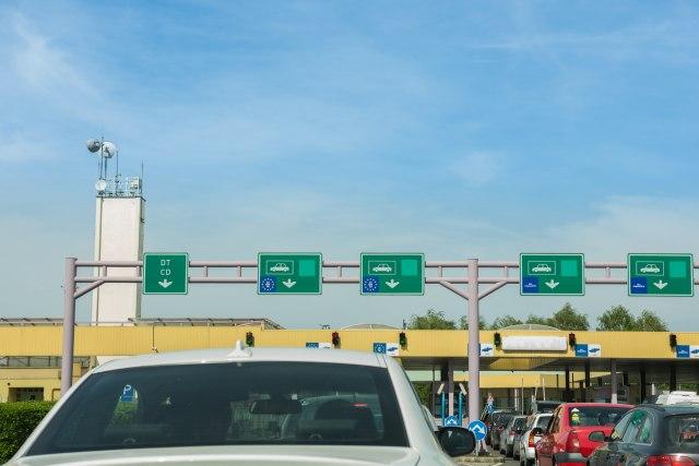 Višesatna čekanja teretnjaka na graničnim prelazima