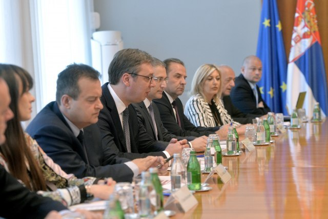 The Serbian delegation is seen during the meeting with Poroshenko and the Ukranian delegation (Tanjug)