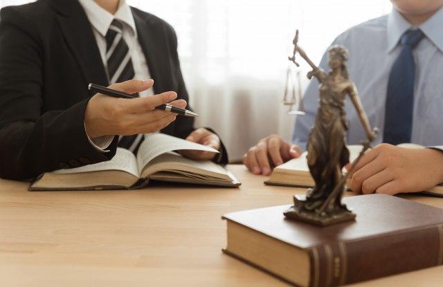 Advokatske komore: Identifikovati napadače na advokata