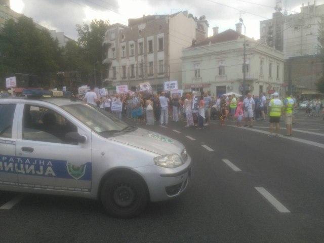 Stanovnici Stepe blokirali Slaviju FOTO
