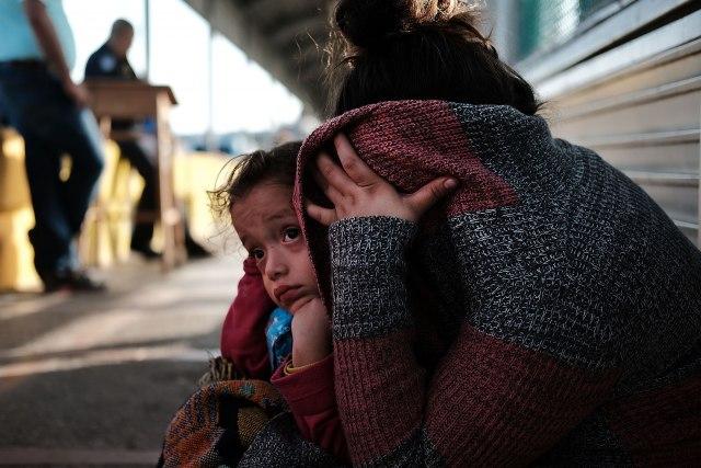 450 dece iz Hondurasa odvojeno od roditelja na granici SAD