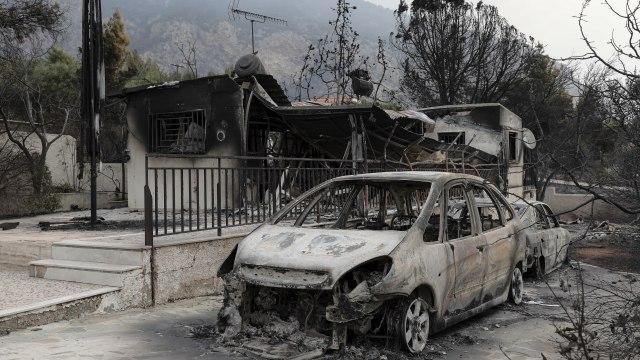 Broj poginulih u pozarima u Grckoj porastao na 96