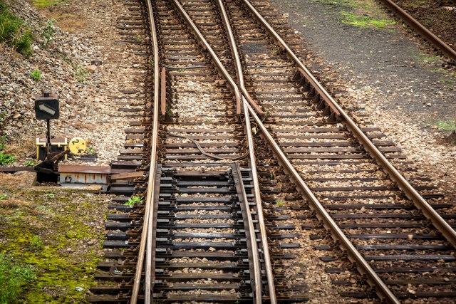 Tragedija – voz usmrtio četvoro dece
