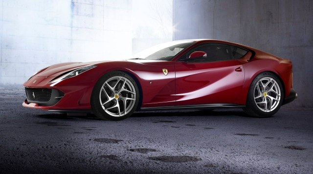 Ferrari 812 Superfast (2018)