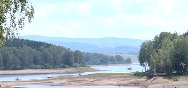 Ispuštaju vodu iz jezera, ima li ugroženih? VIDEO