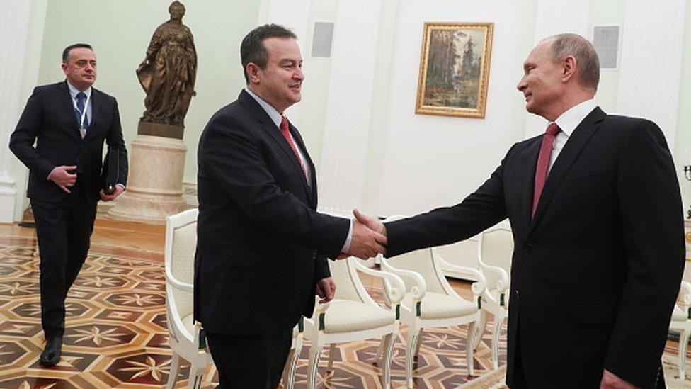 Ministar rudarstva i energetike Aleksandar Antić (prvi s leva) je drugi čovek SPS. Partija se često opisuje kao naklonjena Rusiji/Getty Images