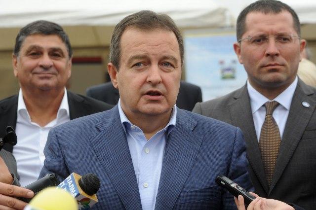 Dačić i Bin Zajed dogovorili ukidanje viza za građane SRB