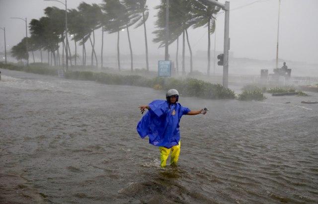 Neverovatni snimci tajfuna, desetine mrtvih VIDEO