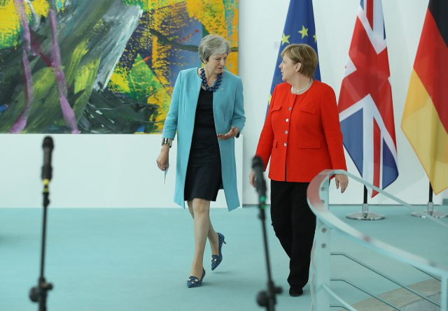 Merkelova traži jedno, Mejova drugo
