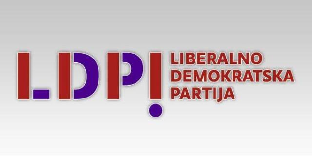 Vučić na vlasti sve dok je opoziciji samo on u fokusu