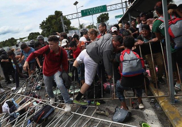 Migranti preko Meksika krenuli ka granici sa SAD