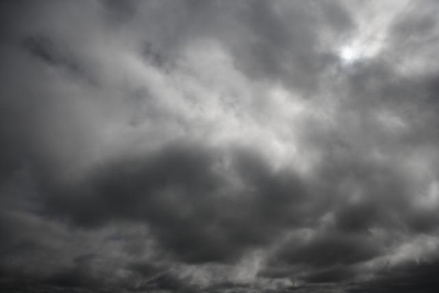 Oblačno i suvo, moguć slab mraz
