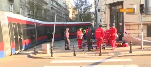 Tramvaj izleteo iz šina; Prva: Poginuo pešak FOTO