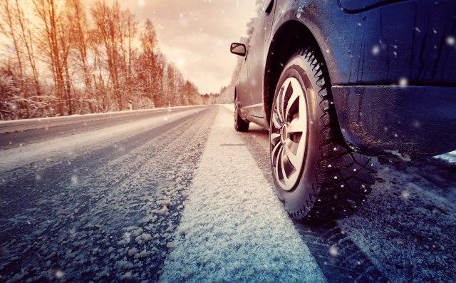 Apel vozačima da budu pažljivi zbog snega