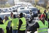 Francuzi blokiraju skladišta, 30 uhapšenih za noć