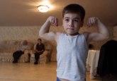 Čečenski Švarceneger: Ima samo pet godina i radi 5.000 sklekova VIDEO