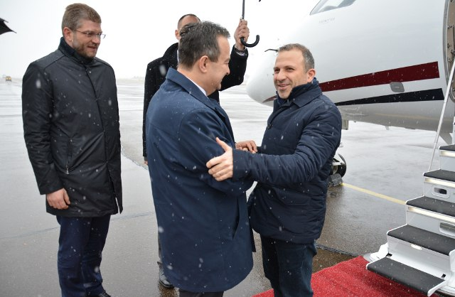 Dacic welcomes Bassil on Wednesday at Belgrade's Nikola Tesla Airport (Tanjug)