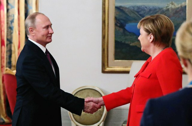 Razgovarali Putin i Merkelova