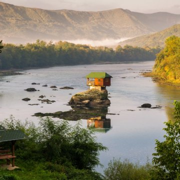Reka Drina / thinkstock