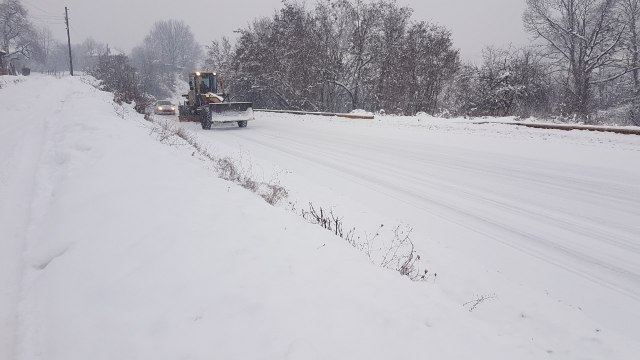 Haos zbog snega i u Hrvatskoj i BiH
