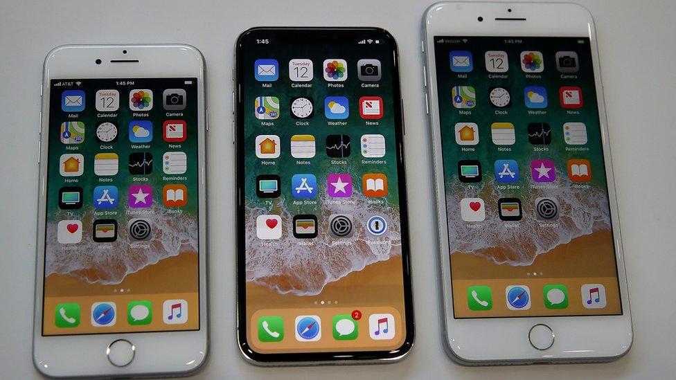 Ajfon 8 (levo), ajfon 10 (u sredini), ajfon 8 plus (desno)/Getty Images