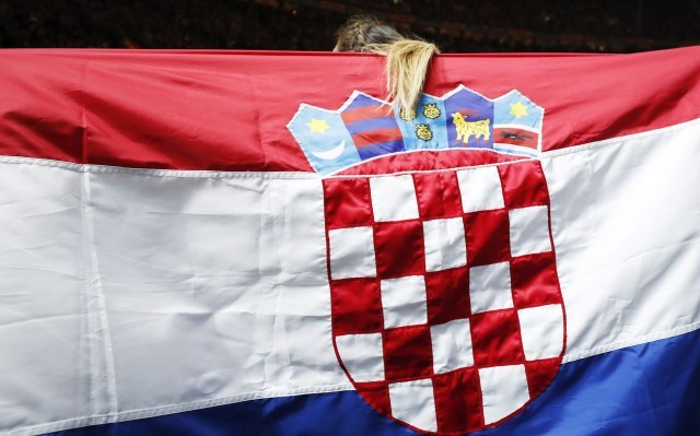 The contemporary Croatian flag, where the checkerboard starts with a red field (EPA-EFE, file, illustration)