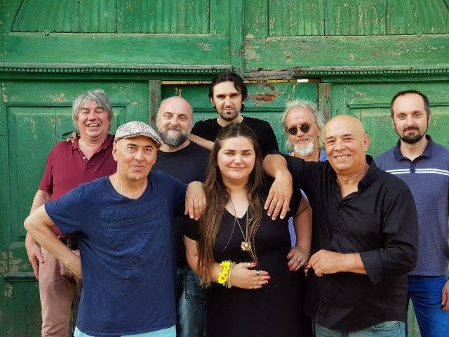 Mostar Sevdah Reunion u petak u Dorćol Platzu