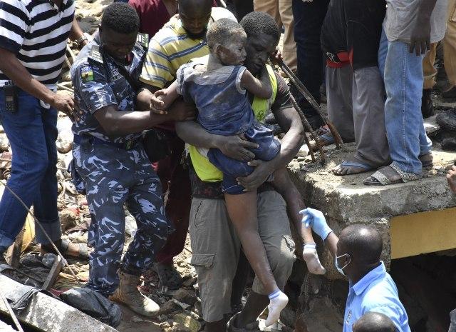 Potraga za preživelima ispod ruševina škole zaustavljena