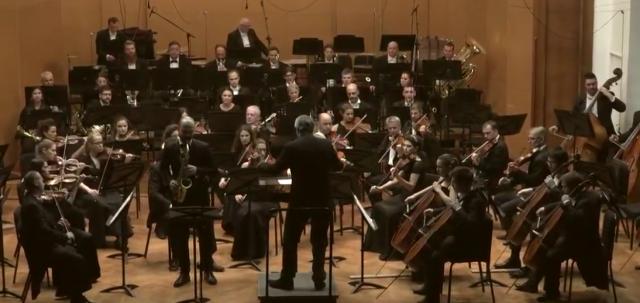 Slavni diregent sa Beogradskom filharmonijom