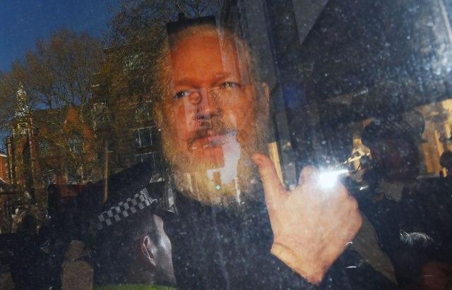 SAD izdale novu optužnicu protiv Asanža, oglasili se Snouden i Vikiliks