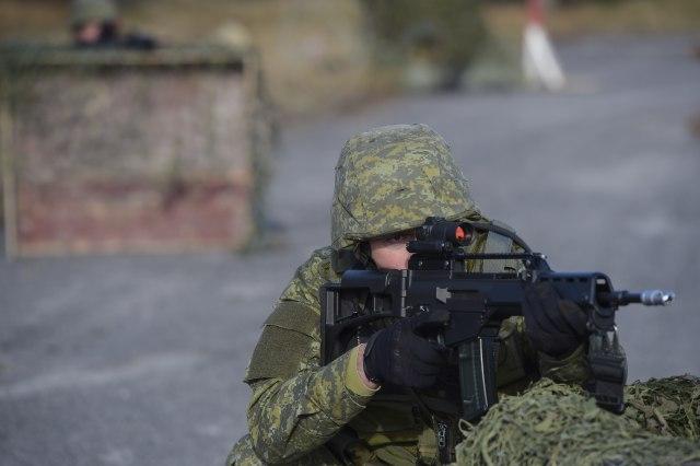 """""""Novosti"""": Veterani iz """"Oluje"""" obučavaju oficire Vojske Kosova"""