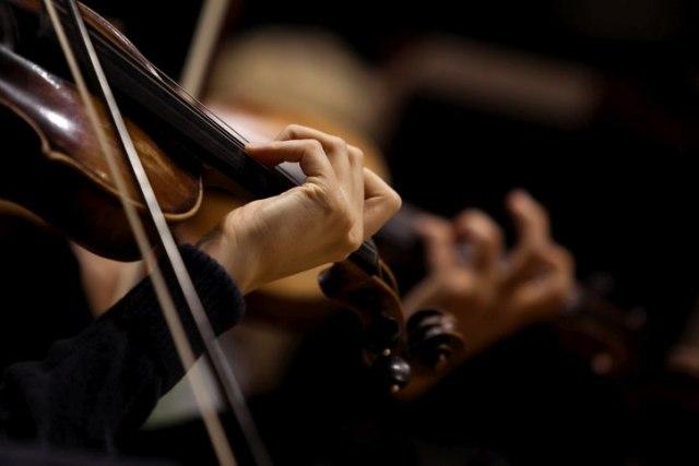 Filharmoničari sviraju Diznijevu fantaziju na otvorenom