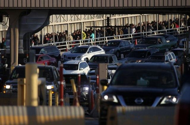 1.000 Kubanaca ide ka granici SAD, stiže i 5.000 Meksikanaca
