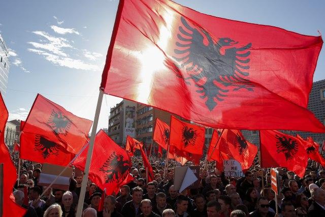 """""""Albanija je u stanju ludila"""""""