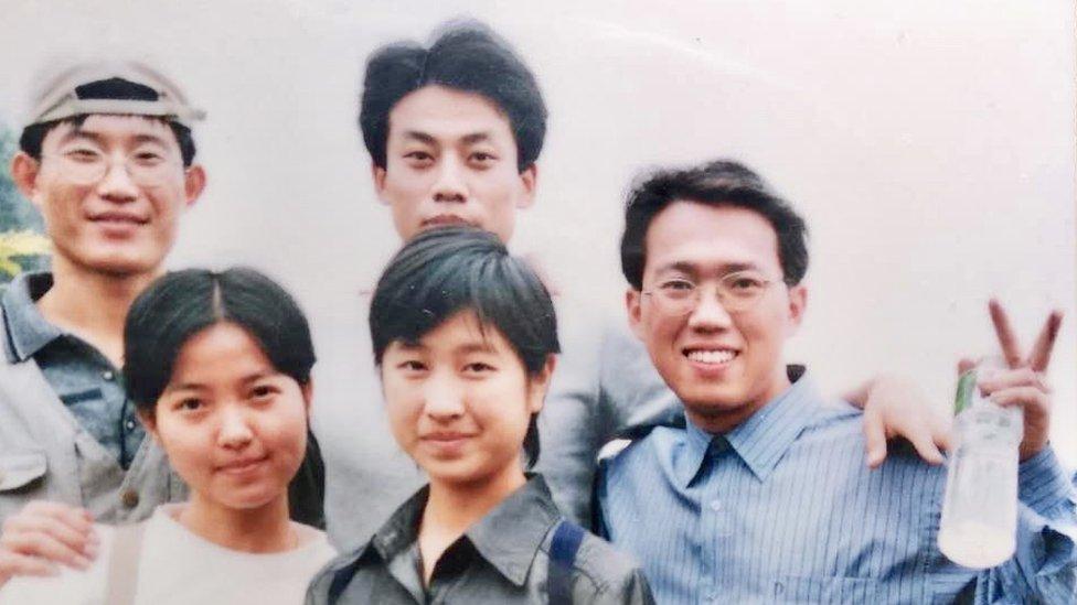Veiping Kin (desno) bio je studentski vođa na univerzitetu u Guangžuu 1999. godine/Veiping Kin
