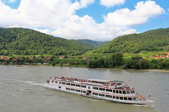Bez pojasa za spasavanje upao u Dunav: Utopio se srpski državljanin u Austriji