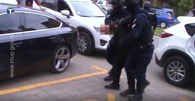 Objavljen snimak privođenja osumnjičenog ubice iz Novog Sada VIDEO