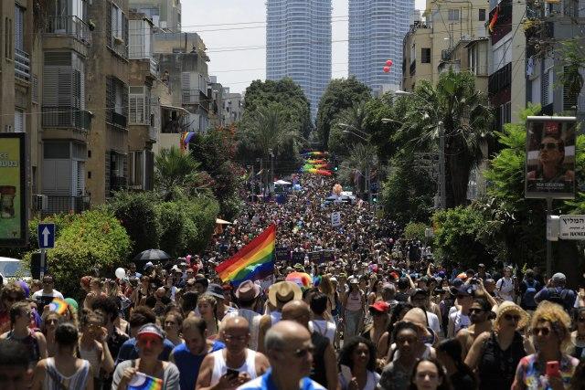 Najveća parada ponosa na Bliskom istoku u Tel Avivu FOTO