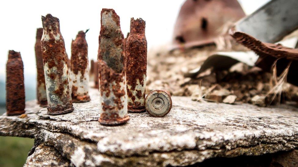 Metak uvek ostaje, čak i kada promaši/Gilad Sade