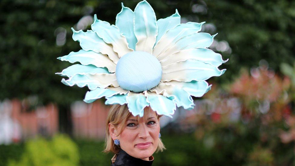 Uvek su prisutni i šeširi sa cvetnim dizajnom/Getty Images