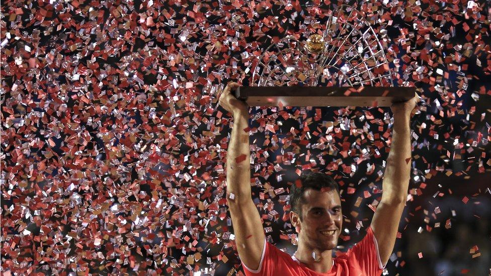 Đere je u februaru osvojio Rio de Žaneiro, čime je postao prvi srpski teniser od Novaka Đokovića koji je osvojio turnir Serije 500 - to nije pošlo za rukom ni Tipsareviću, ni Troickom/Getty Images