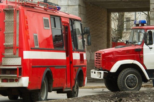 Izgoreo gradski autobus na sred ulice u Rimu