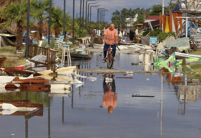 Grčka: Pogoršanje vremena praćeno kišom i olujom