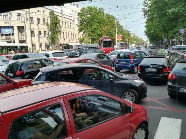 Ove ulice će biti zatvorene zbog posete Makrona