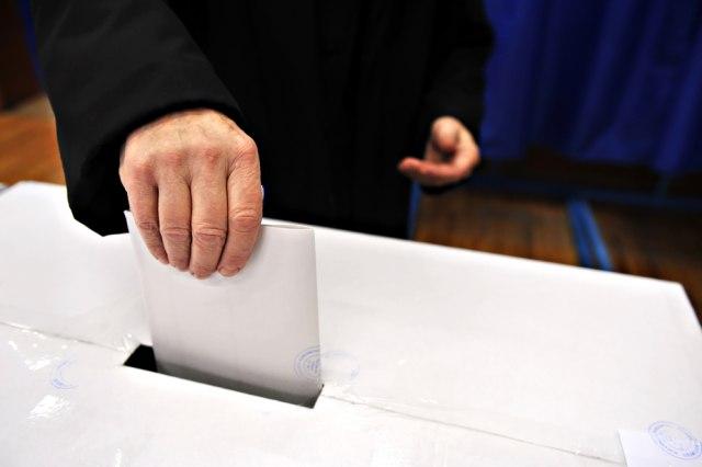 Novosti: SNS načelno dogovorio datum izbora, u igri dva termina