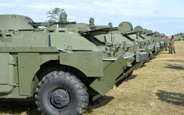 Mađarska objasnila zašto je dozvolila tranzit ruskih oklopnih vozila