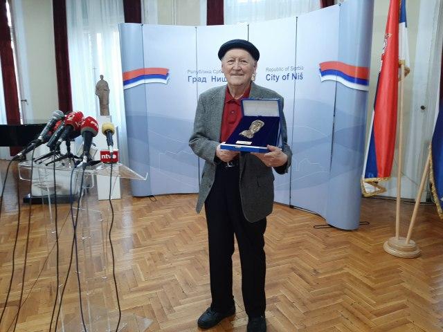 """Lari Vučković dobitnik nagrade """"Nišvil""""-a za životno delo"""