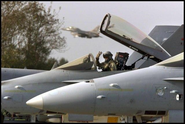 """Šta kaže NATO - zašto su se lovci """"opasno"""" približili avionu ruskog ministra odbrane?"""