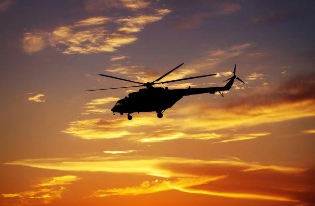 Avioni i helikopteri nadleću centar Beograda