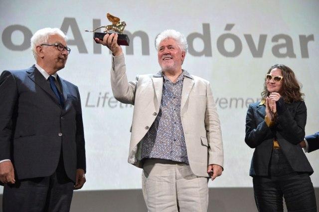 """Almodovar dobio Zlatnog lava na festivalu u Veneciji: """"Ovde sam se rodio kao reditelj"""""""